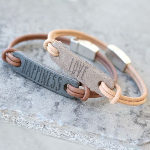 Ontwerp stoere armbandjes met onze tussenstukken van DQ leer van eigen design.