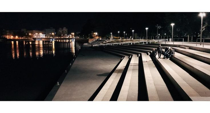 Bulwar Xawerego Dunikowskiego  #city #urban #night #dark #lights #water #river #reflection #stairs #shore #coast #vscocam #wroclaw #wrocław #wroclove #