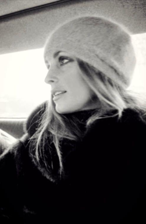 https://flic.kr/p/KfnCkp   Sharon Tate ( London ,1968)   Photo by Bill Ray