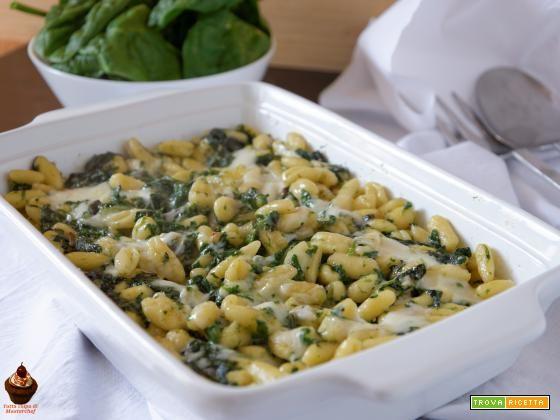 Pasta con spinaci e taleggio - Ricetta