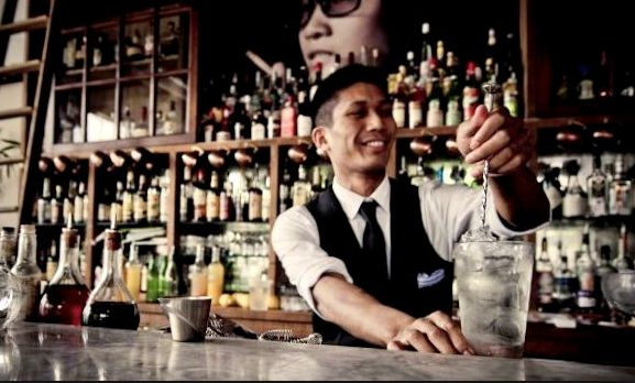 "Regular bartenders, cocktails waiters, flair bartenders or professional waiting staff: book your server with ""Cocktail Barmen"" and let us help you kick start your party in style!"