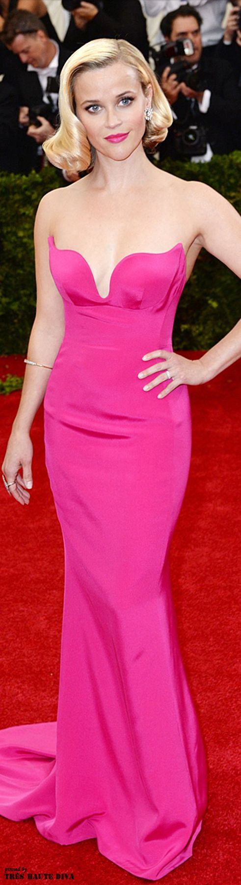 Reese Witherspoon in a Stella McCartney gown at the 2014 Met Gala jaglady #HauteCouture #RedCarpet