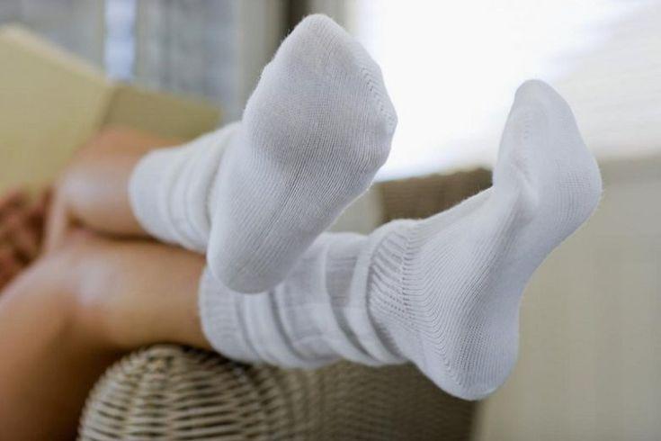 Как вернуть белизну носкам и футболкам без всякой химии?