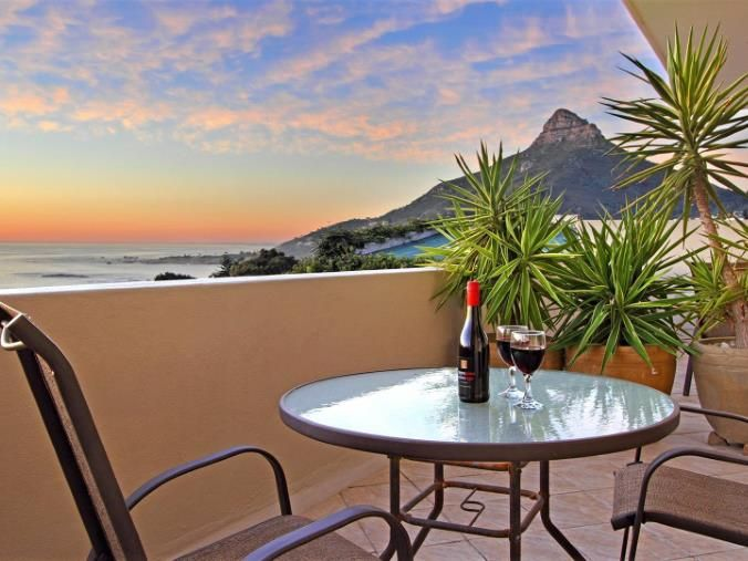 9 Bedroom House for sale in Camps Bay - P24-104861952