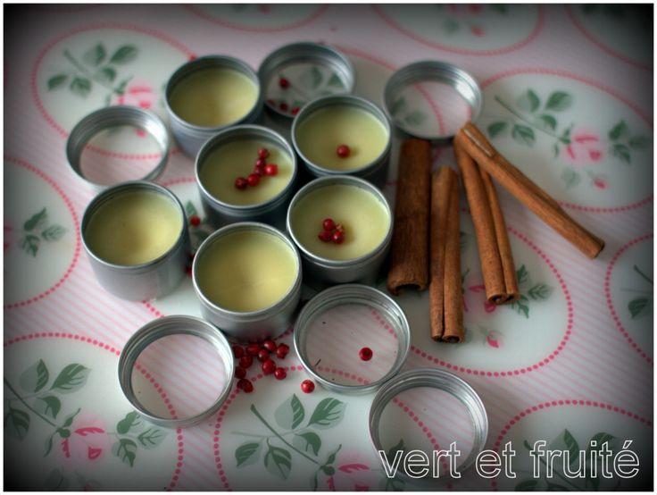 Baume à lèvre maison. 17g de beurre de cacao, 6g d'huile de coco et du thé! Pour faire un baume dans un contenant Davids Tea! :)