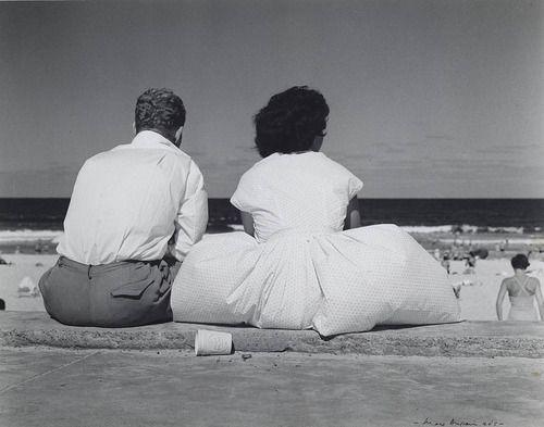 Max Dupain      Stiff nor' easter, Bondi, 1940s
