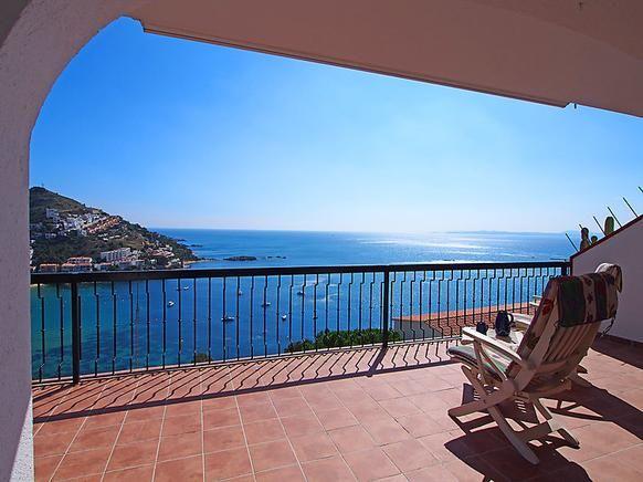 Espagne Roses Appartement de vacances pour 4 personnes sur la Costa Brava prix promo Location Vacances Espagne Expedia pas cher 809.00 €