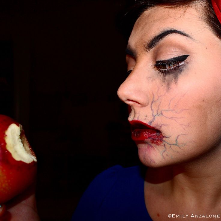 Poisoned Snow White Face Paint Special Effects Makeup Disney Www Emilyanzalonemua Com