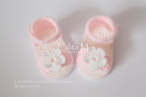 Uncinetto bambino Sandali, sandali gladiatore del bambino, scarpette per neonati, scarpe bambino, colore rosa, bianco, 3-6 mesi, bambino doccia dono, idea regalo, foto di bambino puntello