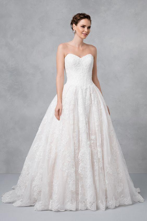 cb4202da7ff7 BRIDE Oleg Cassini Wedding Ball Gown with Lace Appliques ...