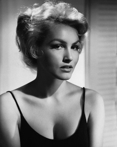 Julie Newmar (b. 1933) american actress, dancer and singer