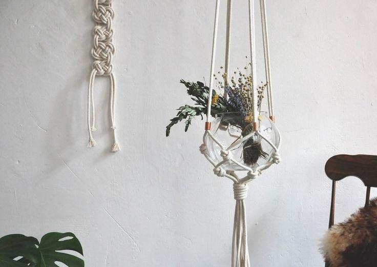 ber ideen zu makramee blumenampel auf pinterest blumenampel makram und blumenampeln. Black Bedroom Furniture Sets. Home Design Ideas