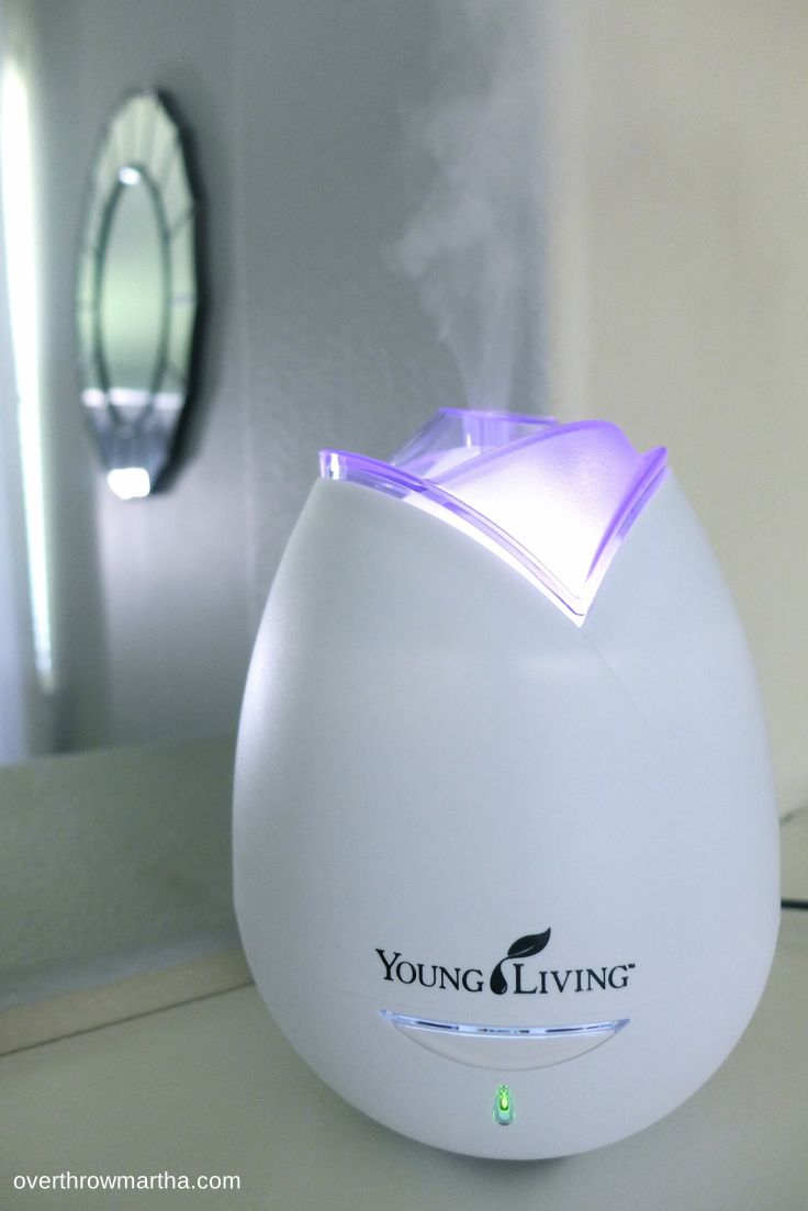 How to use a diffuser for essential oils. A great guide to basic essential oil use. #essentialoils