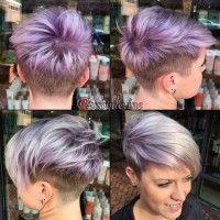 krótkie fioletowe włosy