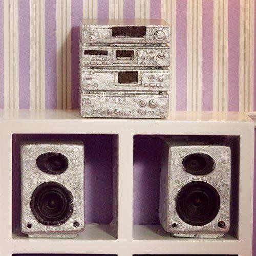 buy now   									£5.49 									  									The Dolls House Emporium 'Silver' Hi-fi System, 3 pcsThe Dolls House Emporium brand Silver Hi-fi System, 3 pcs dolls house in 1/12 scalePart of our  ...Read More