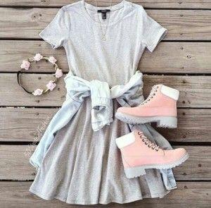 botas rosas vestido