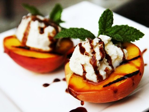 Grilled Peaches with Ricotta Cheese http://www.ivillage.com/easy-and-elegant-dinner-party-recipes-non-cooks/3-a-562584