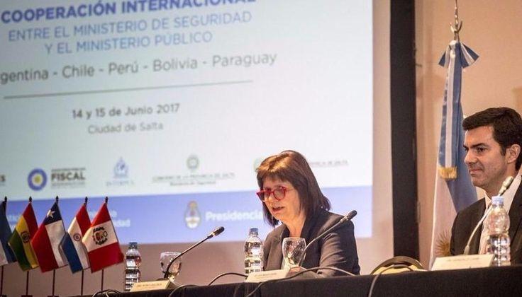 """Patricia Bullrich: """"En la Argentina no hay carteles"""": La ministra de Seguridad de la Nación participó del cierre de una jornada…"""