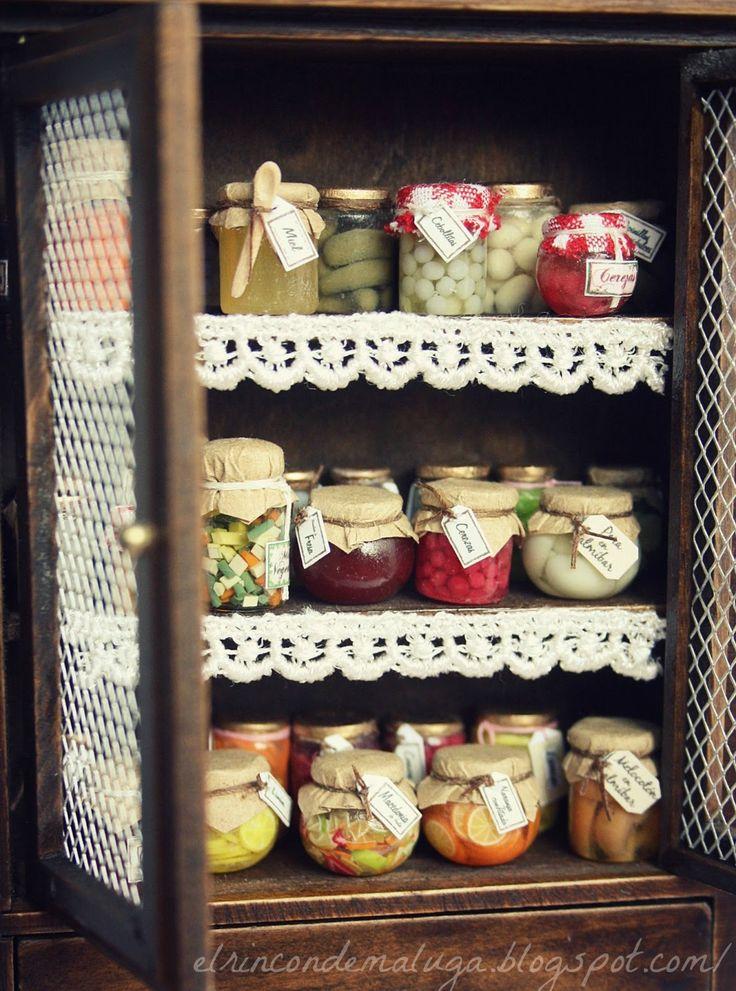 Dollhouse miniatures: Miniature preserves.