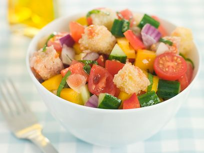 Салат из коктейльных креветок