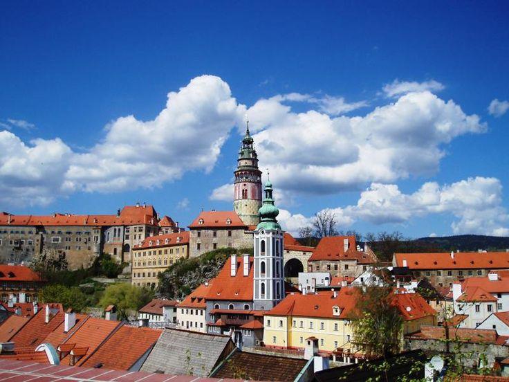 ユーラシア旅行社のチェコツアーで訪れる、チェスキー・クルムロフ城