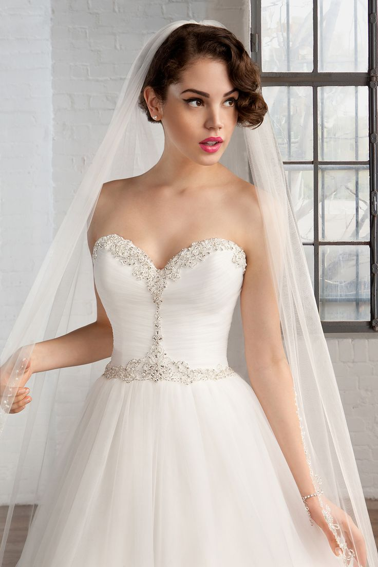 Cosmobella wedding dress Style 7767: Cosmobella 2016 bridal collection : https://www.itakeyou.co.uk/wedding/cosmobella-wedding-dress-2016 #weddingdress #weddingdresses