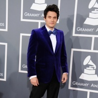 John Mayer | GRAMMY.com: Blue Velvet, 2013 Grammi, Streetstyl Redcarpetstaraward, John Mayer, Mayer Grammi, Grammi 2013, Red Carpets, 55Th Grammi, Reports Cards