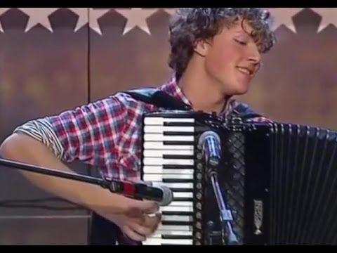 Niesamowity akordeonista w litewskim Mam Talent - YouTube