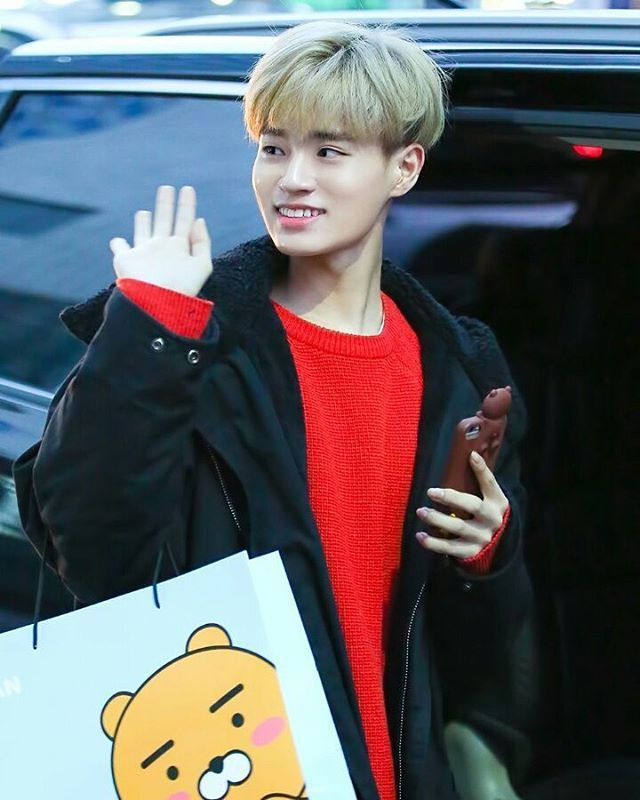 •170309•  lee daehwi @ 상암  ---  good night everyone tmr the 3 of us will be having our chinese paper 1 & 2 :((((  ~ admin @captain.seungwoo✌  ---  © daehwicom  ---⚡️  tags : <#p101 #p101s2 #daehwi #leedaehwi #sungwoon #hasungwoon #samuel #kimsamuel #euiwoong #leeeuiwoong #jihoon #parkjihoon #haknyeon #juhaknyeon #jinyoung #baejinyoung #yuehua #kpop #kpopl4l #kpopf4f>