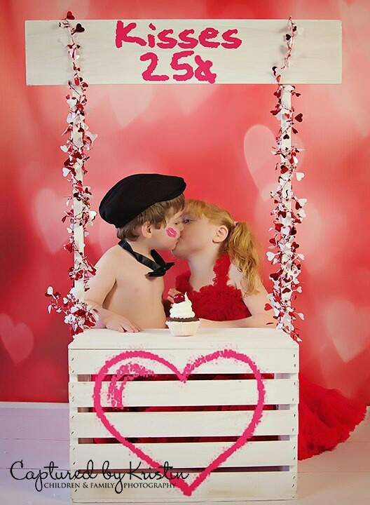 kissing booth photo prop