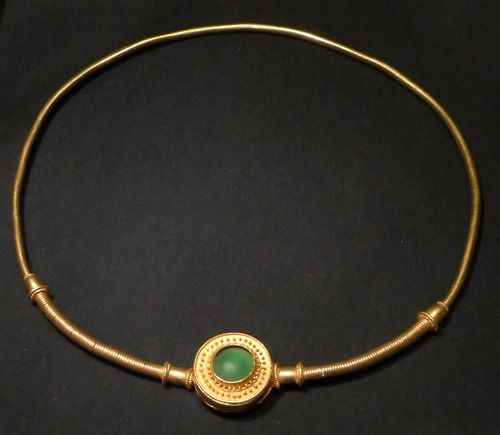 Vandal gold and glass necklace. From the Czékeburial site, around 300 AD or early 4th century AD.