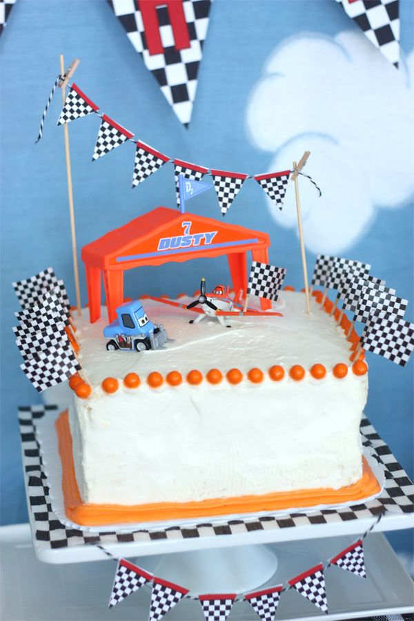 Disney Planes Birthday party plane cake