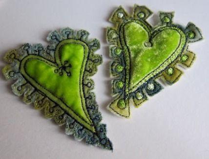 Fiber-art heart pins from Dog-Daisy Chains