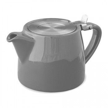 Empilable, cette théière FORLIFE, design et fonctionnelle ravira les amateurs de thé.    Le filtre très fin convient à toutes les tailles de feuilles, de la plus fine comme celle du Rooibos, à la plus large comme celle du Oolong. La théière Stump est dotée d'un couvercle fixe et incassable.      - Contenance : 0,55L (3 tasses)   - Disponible en 9 couleurs    - Convient au lave-vaisselle  - Ne pas mettre au micro-ondes