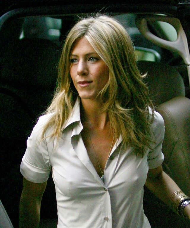 nude-jennifer-aniston-gq-pics-nipples-ladies-tgp