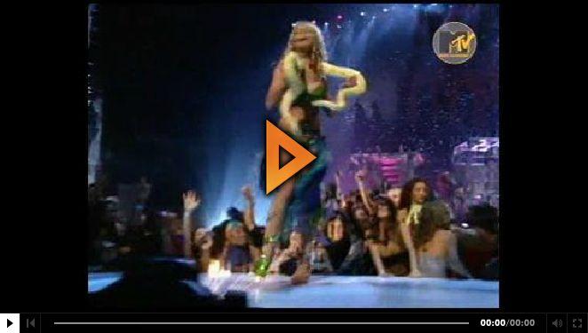 - - 문채원 싸이홈 2010.05.20 19:22 [LIVE]브리트니 스피어스 - I'm A Slave 4 U Live MTV by2003 [스크랩][LIVE]브리트니 스피어스 - Im A Slave 4 U Live MTV