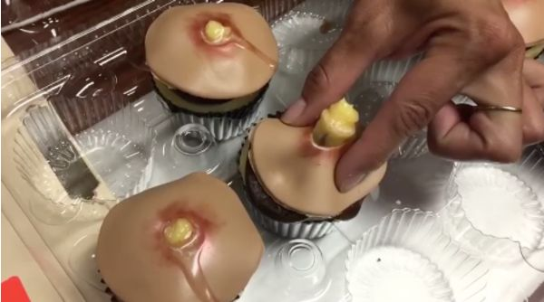15 gross-out cakes we're sure taste perfectly good, but... ew: Ruining dessert, one gross cake at a time