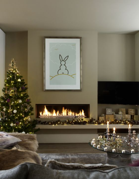 Modern Holiday Decorating Ideas Part - 41: Weu0027re Desperate For An Evening In Curled Up Next To This Modern Fire. Christmas  IdeasChristmas Decorating ...
