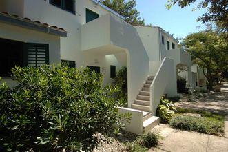 Dit vakantiehuis voor drie personen is gelegen in de plaats Nin, regio Dalmatië. (Kroatië)