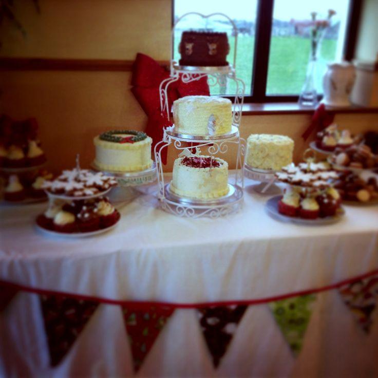 Kelly Lou Cakes Christmas wedding dessert table.