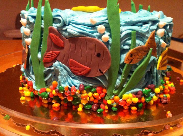 10 best carson birthday cake ideas images on pinterest for Fish tank cake designs