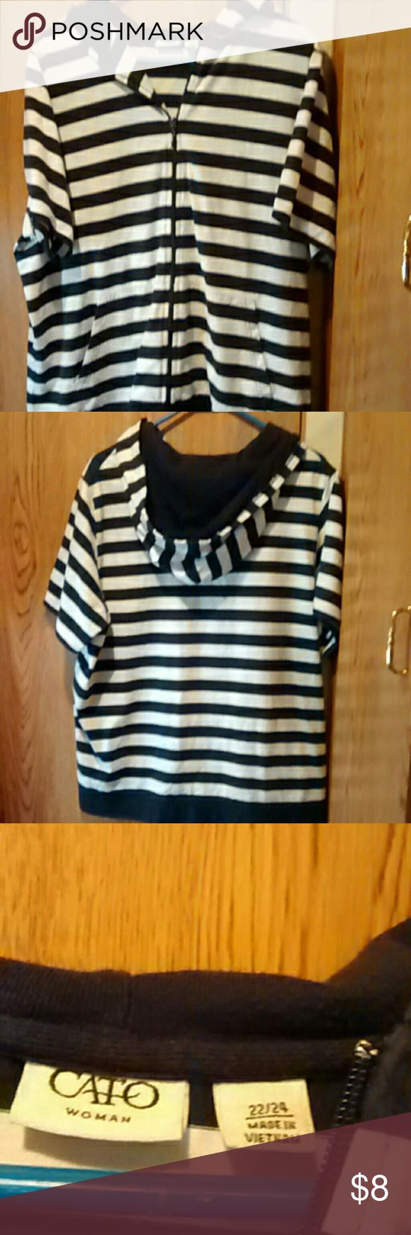 Black and white short sleeve hoodie sz 22/24 Black and white short sleeve zip-up hoodie. It Is by Cato woman . Size 22/24 and then gently pre-worn condition. Smoking / pet home Questions and offers are welcome No trades please Thanks for looking! Other