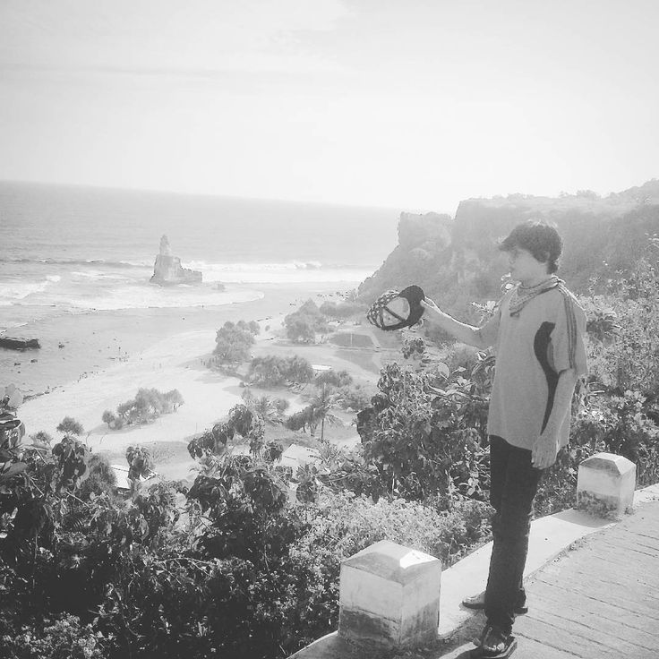 corner  #coast #tocoast #sea #beach #island #java #rock #music #area #restarea #sircuit #gp #football #kick #shot #shoot #galery #art #hangover #hunt #hunting #dj http://misstagram.com/ipost/1570988112946706108/?code=BXNRV2CjLa8