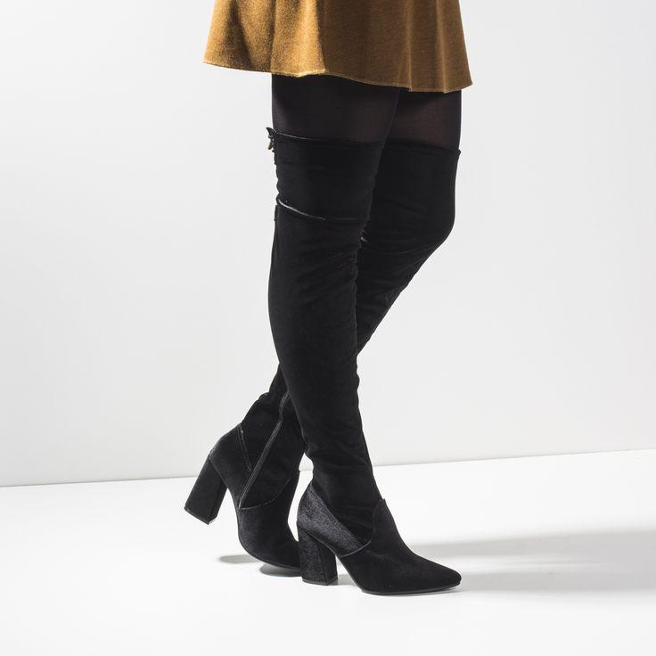 Bota Over the Knee Via Marte Preta. Boots tendências nesse inverno 2017.