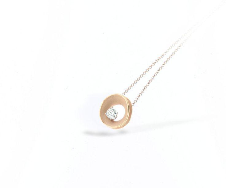 Lagoon Collection Gold pendant with diamonds inspired nature // colgante de oro con diamantes inspirado en la naturaleza www.art-jeweller.com