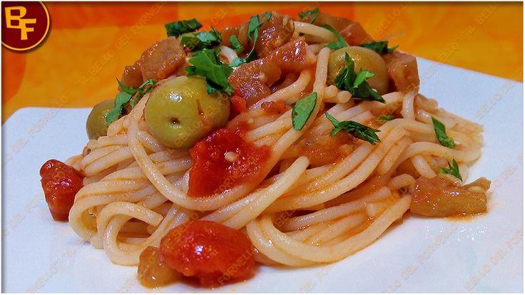 Spaghetti con sugo di melanzane pomodori e olive 01