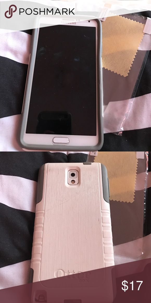 Samsung Note 3 Case And Screen Protector White And Gray 360 Protective Case. With Screen Protector. A Couple Scratches. Great Grip. Accessories Phone Cases