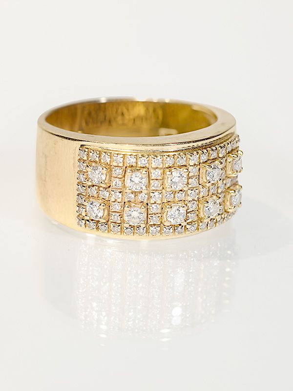 Diamond studded gold ring from http://edmontondiamond.com