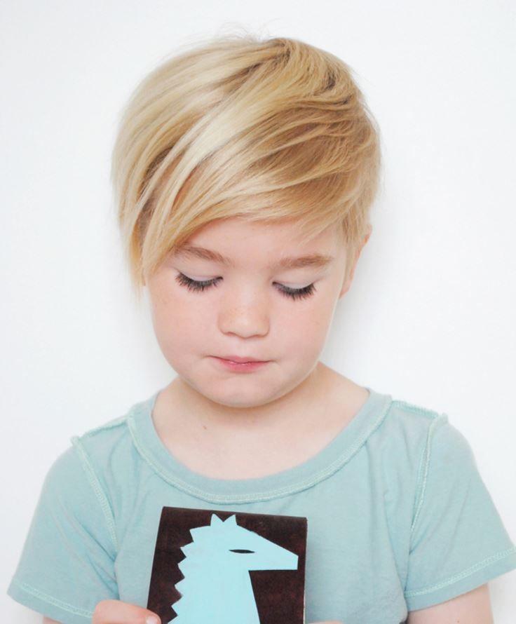 Küçük Kız Cocuklarına Pixie Saç Modelleri