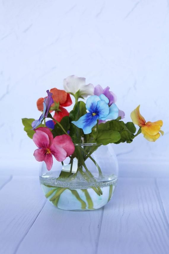 Realistic Pansy Flowers In Glass Vase With Faux Water Etsy In 2020 Pansies Flowers Pansies Cold Porcelain Flowers